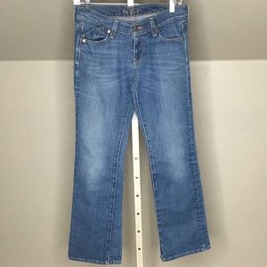 Old Navy Jeans The Flirt Mid-Rise Bootcut Stretch
